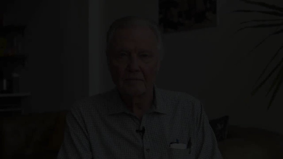 Jon Voight Delivers Fiery Response To Impeachment Inquiry: 'This Is War!'