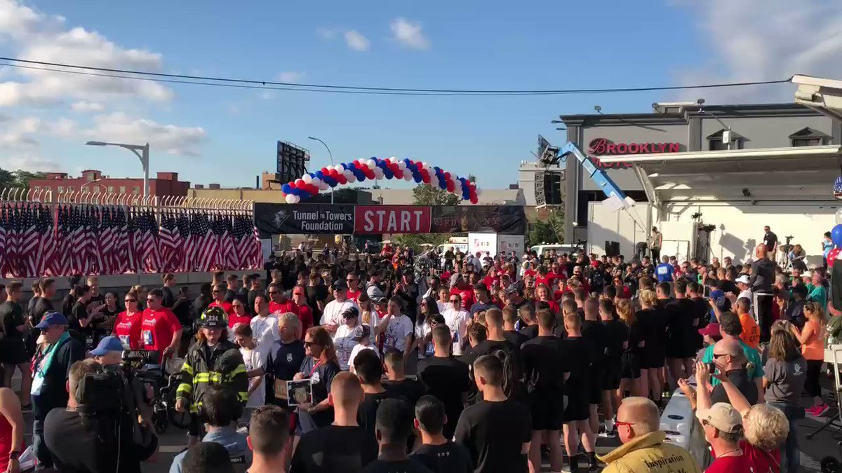 Start of the @tunnel2towers #NYC run/walk with @JoePiscopoShow