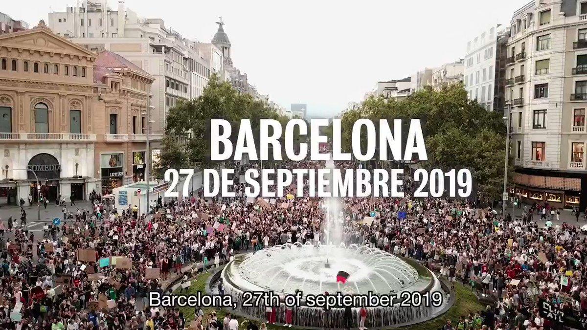 Divendres 100.000 persones vam sortir a Barcelona per exigir mesures contra lEmergència Climàtica. Som lúltima generació que pot aturar aquesta catàstrofe, fem-ho! ✊ La lluita no sha acabat, seguim! 🌱 #JustíciaClimàtica #EmergènciaClimàtica27S