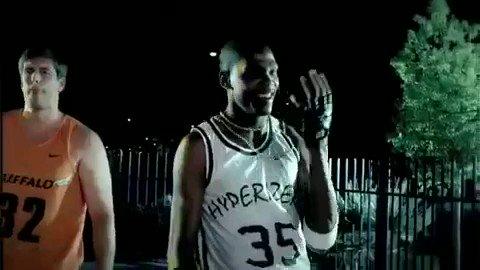 Un régal cette pub avec Kevin Durant en mode rappeur !   Happy Birthday KD