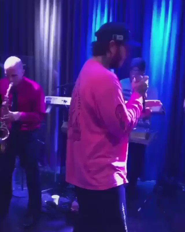 This vid of Post Malone singing Santeria is so wholesome 😩 (Via itscheercaptain/IG & c6band/IG)