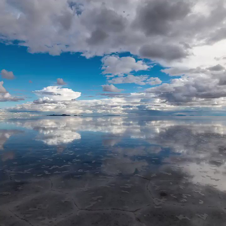 The mind-bending Salar de Uyuni, the world's largest salt flat, located in southwest Bolivia at an elevation of 3,656 meters (11,995 ft) above sea level. https://t.co/bbbk4ZUyvM