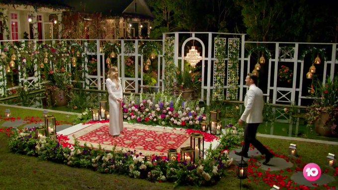 Bachelorette Australia - Angie Kent - Season 5 - Episodes - *Sleuthing Spoilers* G6ehJXCbRqwh2Tqt
