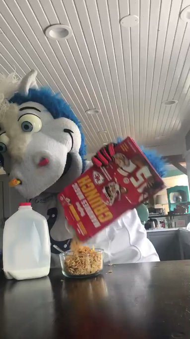 Today's breakfast was overrated #VictoryMonday @Colts @kcwolf https://t.co/odg0LJ1Ark