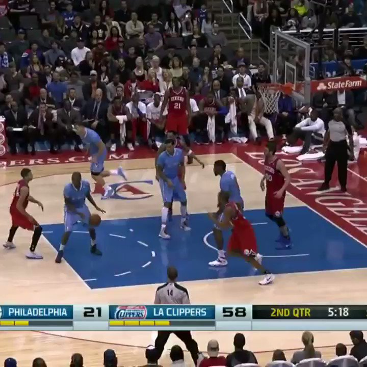 (2014) Chris Paul & Blake Griffin pulling this off on back-to-back plays is so disrespectful.  My goodness. 😳
