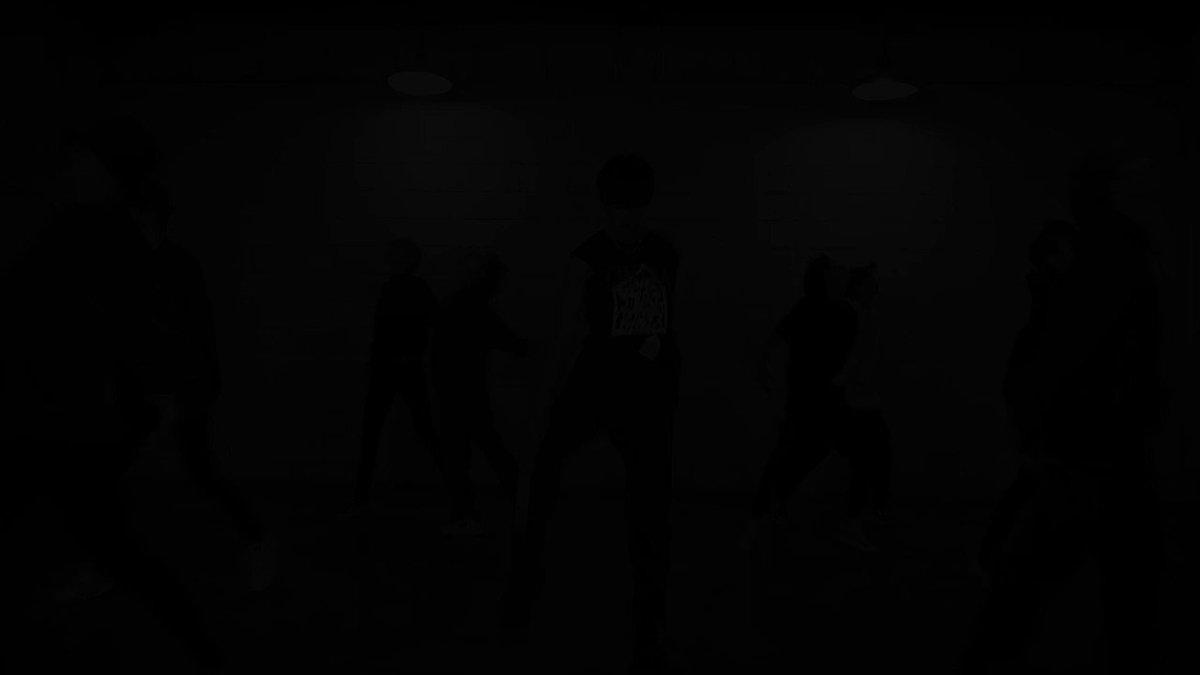 Stray Kids(스트레이 키즈) Double Knot 신발끈 더 꽉 묶고 함께 달릴 준비됐나요?👟👟 2019년 10월 9일! 오후 6시! 꽉 꽉 끈질기게 조금만 더 기다려주세요! #StrayKids #스트레이키즈 #StrayKidsComeback