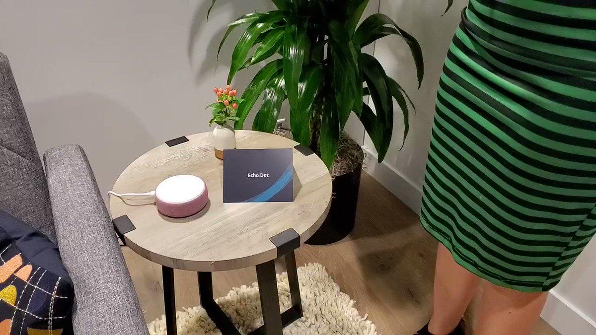 Hace poco, tuvimos la oportunidad de poner a prueba la función multilingüe de Amazon Alexa. Le hicimos preguntas en inglés y español sin ningún orden en específico y estás fueron sus respuestas ¿que te parece esta función? #Amazon #AmazonAlexa #Alexa #amazonevent