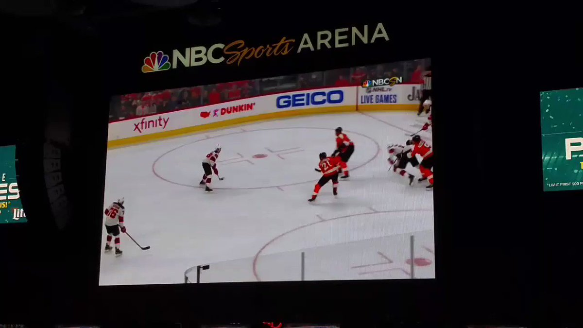 If this Jaw dropping save by Carter Hart does not make @SportsCenter , there is something wrong #Flyers #FlyOrDie #NJDvsPHI #SCTop10