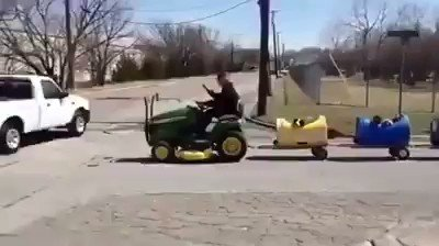 Everyone deserves a little fun in life, even stray dogs. Eugene Bostick, an 80-year-old retiree, noticed that people were abandoning their elderly dogs near his his barn in Texas so he took them in, built a train to take them out on excursions and the rest is history!! ❤ ❤ 🐾