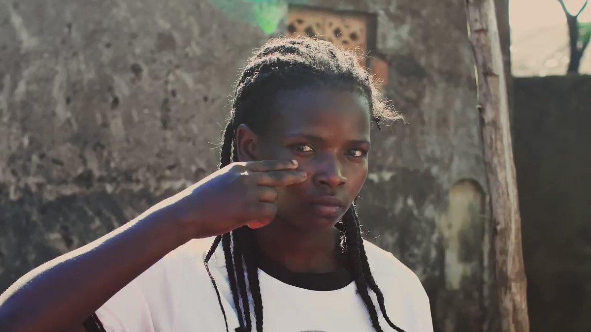 Aujourd'hui, c'est la Journée internationale des filles ! Car : 1/4 fille est toujours privée d'école 1/5 fille est mariée de force 1/3 femme a subi des violences physiques ou sexuelles à un moment de sa vie.. ➡️ Exigeons l'égalité filles-garçons 💪 #GirlsGetEqual #DayoftheGirl