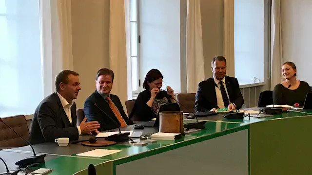 Image for the Tweet beginning: Tyttöjen päivän pormestari tapasi päivän