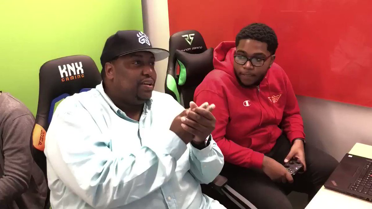 It's @Rando_2k's time on BFW Live😤 He and @BlkFrankWhite1 tip things off with a talk about the draft. Join us NOW on @Twitch!