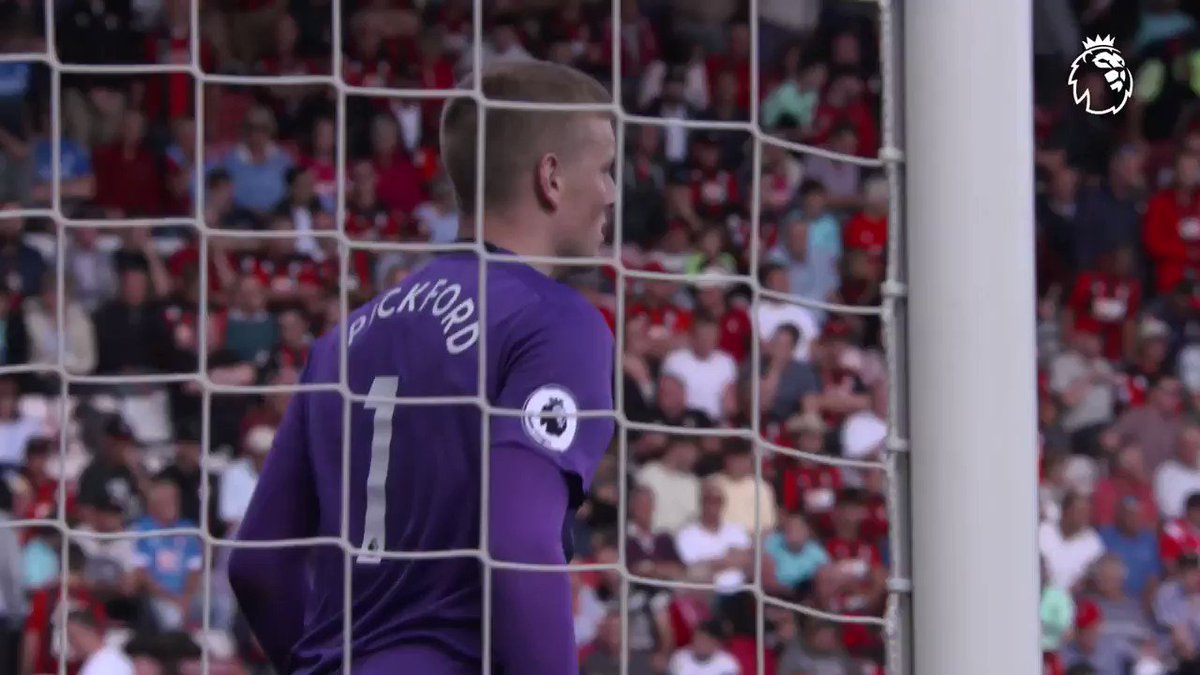 😅 The kitman was crackers! @Everton keeper @JPickford1 still keeps in touch with people he met in his non-league days @nonleaguedayuk #NonLeagueDay