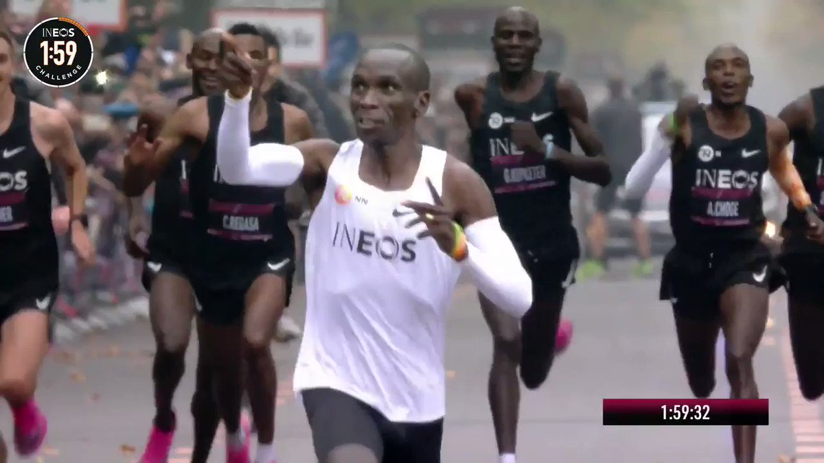 """Today the phrase """"It's a marathon not a sprint"""" died the most spectacular death 👏🏻👏🏻👏🏻 #Kipchoge #Eliud159"""