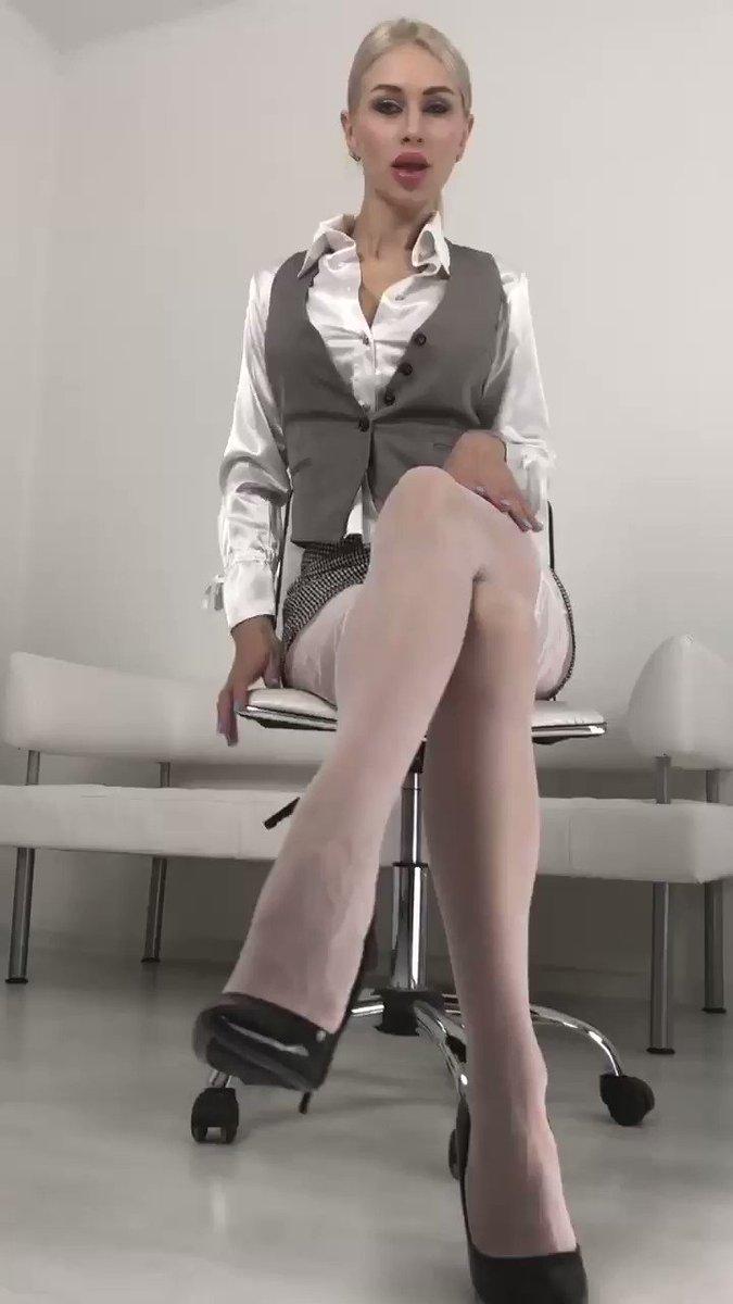 Model - LouisaCream Blonde