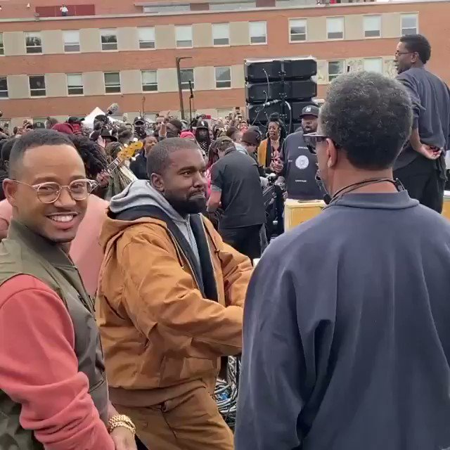 Kanye West surprised students at Howard University with a Sunday Service on a Saturday for their homecoming (🎥