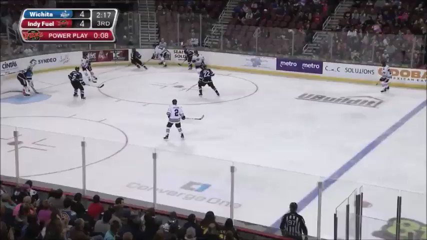 WHAT A STOP (🎥 @echl)