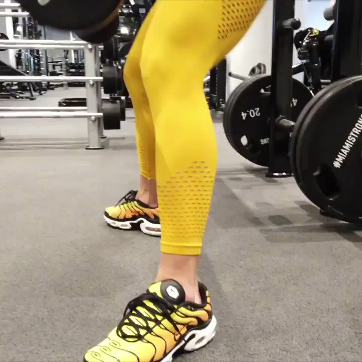 's Media: Squats rocks!🏋🏼‍♀️ Lower back pain sucks🤨  -This might get you start doing squats again🤗 https: