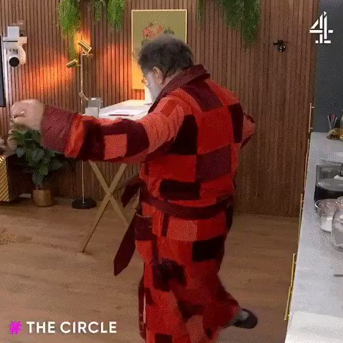Strolling around the house on a Sunday like #thecircle