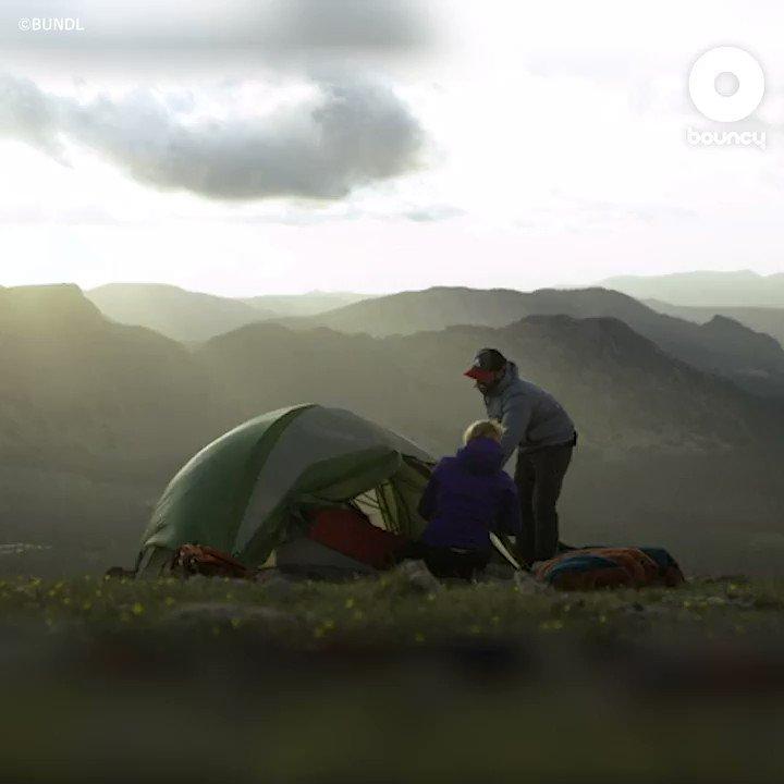 だんだん夜が寒くなってきましたよね🥶この時期キャンプに行かれる方は風邪をひかないように気をつけてくださいね♫ このIoTスマート寝袋があればきっと夜も快適に眠れそう😪 by BUNDL価格や入手方法はこちら👉#キャンプ #キャンプ  #アウトドア #秋キャンプ