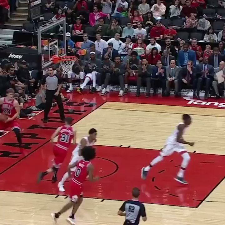 Replying to @ESPNNBA: Zach LaVine got 🆙 for the alley-oop 🔥