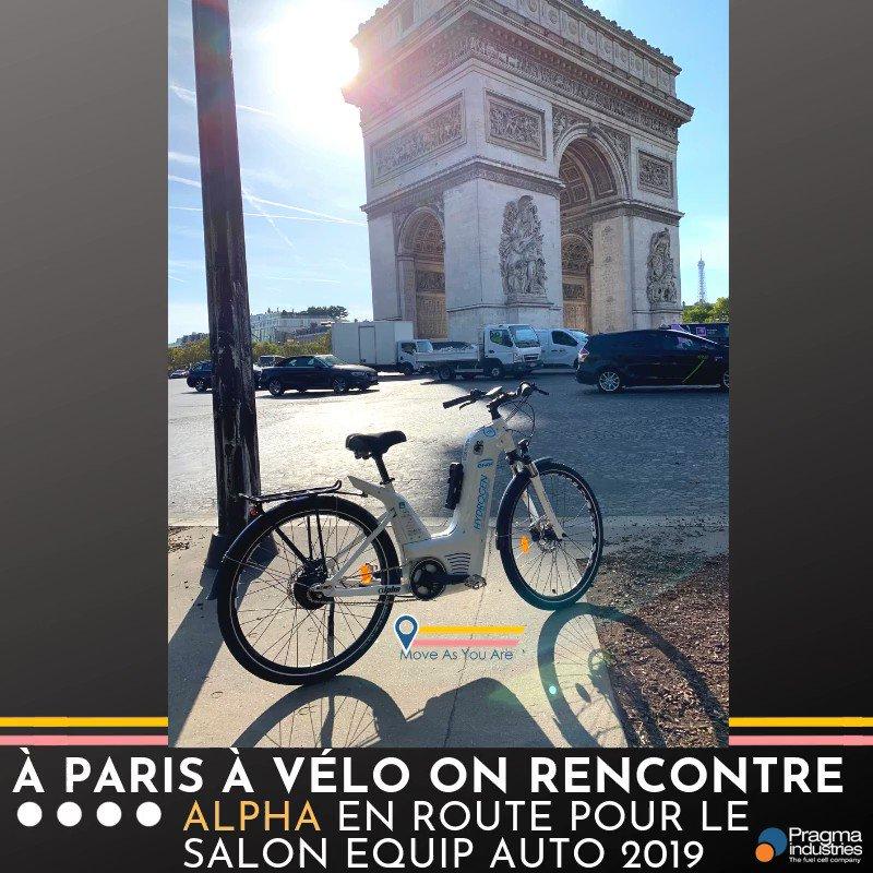 Petite sortie parisienne sous le soleil, pour le vélo à hydrogène Alpha qui sera dès demain sur le salon @EQUIP_AUTO à @Paris   Rdv stand:  1⃣ Ext 005 Paris Expo porte de Versailles. #mobility #EquipAuto #H2Now #H2bike #cleanenergy