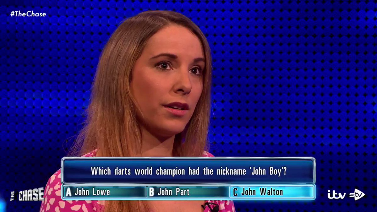 It never hurts to flatter @BradleyWalsh. 😉 #TheChase https://t.co/HfGirCmXGd