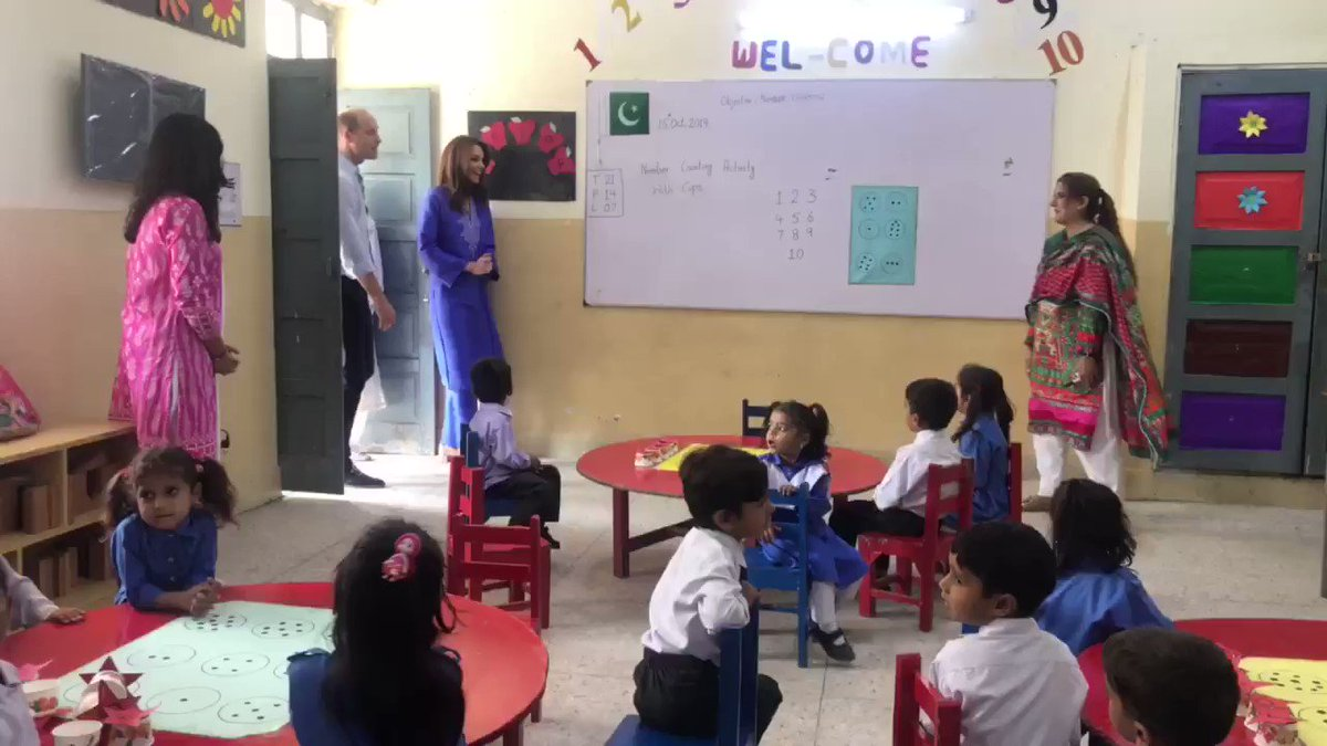 Kate Middleton Wears a Royal Blue Kurta on Her Second Day in Pakistan