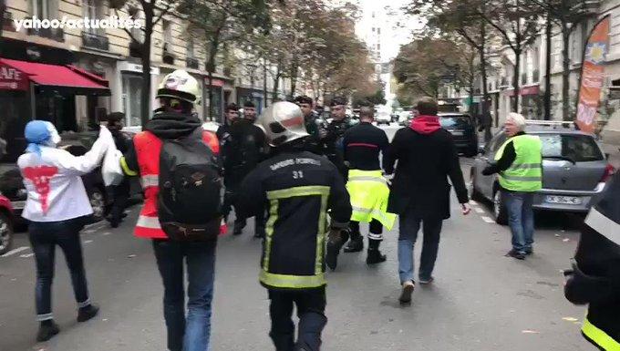 Pompiers en colère à Paris : tensions avec la police, au moins 6 interpellations GzvGBS1d8D-R55t-?format=jpg&name=small