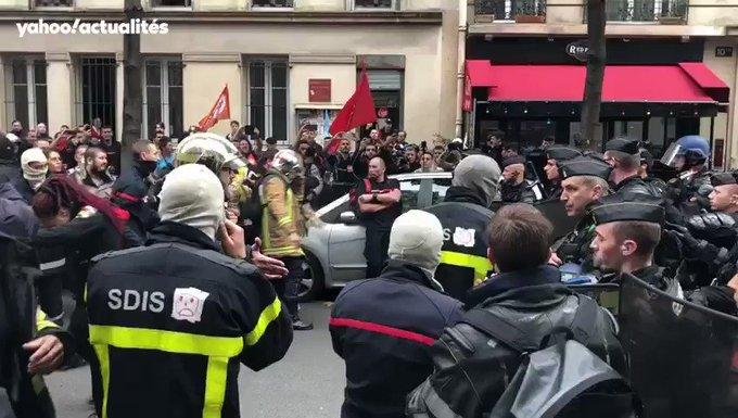 Pompiers en colère à Paris : tensions avec la police, au moins 6 interpellations LtFeTvjK1sTYcL2E?format=jpg&name=small