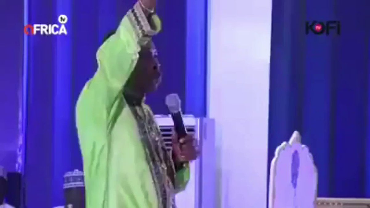 This Ghanaian Pastor has watched too many 🇳🇬Pastors. So overconfidence catch amChale Bobby Brown haircut they are not coming.
