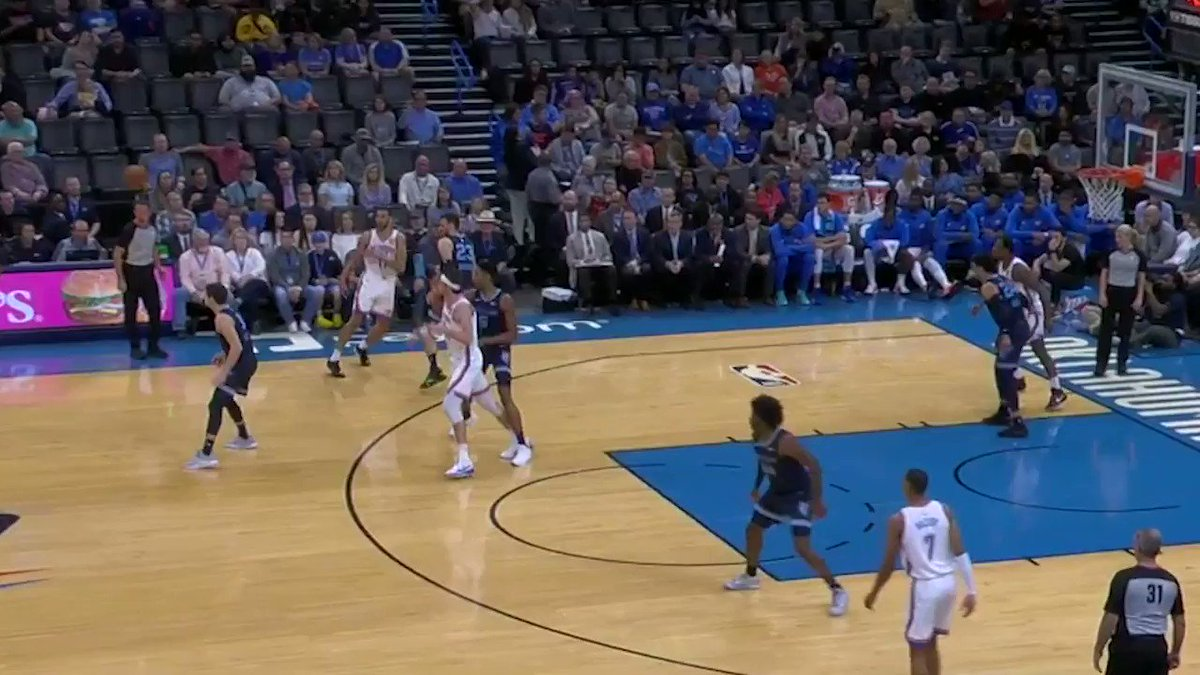 """Shai """"continues to cook"""" with 10p/3r in the first quarter.   @shaiglalex 