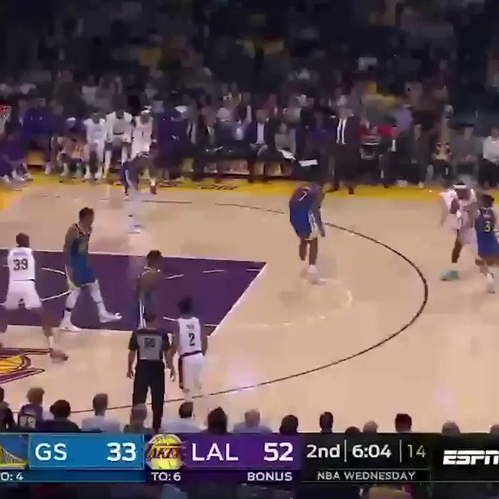 What a pass from LeBron to Dwight 🔥