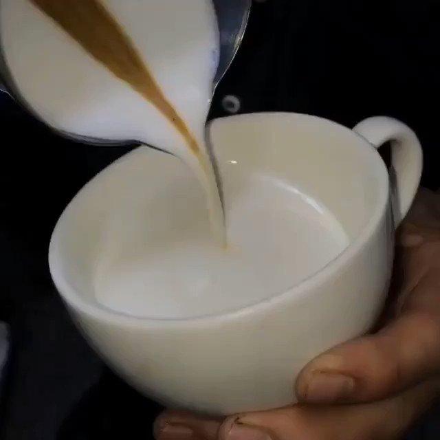 .@plutonelli  Guten Morgen Plutonelli und wünsche dir einen wunderschönen Freitag #kaffee  #coffee  😊