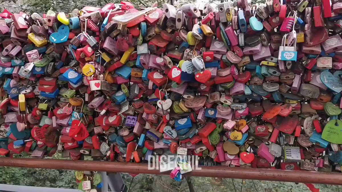 🌱 log 07. day 01. 📍 namsan locks of love ➡️ namsan tower small video tour of the platform 🥰 #DISSUDAILY