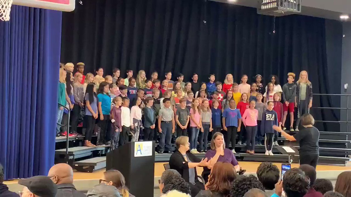 """Beautiful performance of """"A Million Dreams"""" by the Fleet Forte chorus ❤️ <a target='_blank' href='https://t.co/ITKw09XP06'>https://t.co/ITKw09XP06</a>"""
