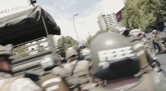 🔴 Jornalista da TeleSur preso pelos militares no #Chile