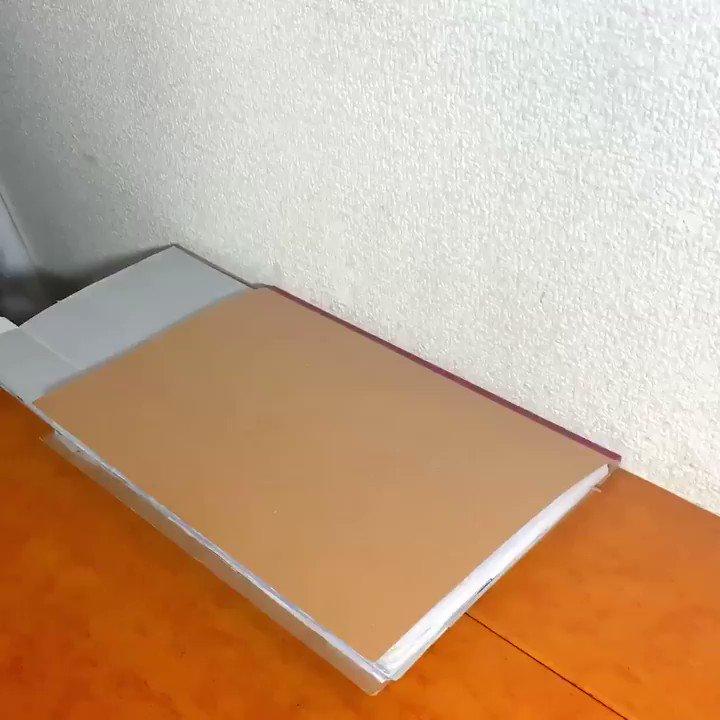 病院ノート(カラー版)ノートと紙で作りました。