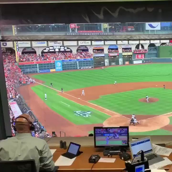 Jose Altuve's ALCS-clinching HR even better from Astros radio booth