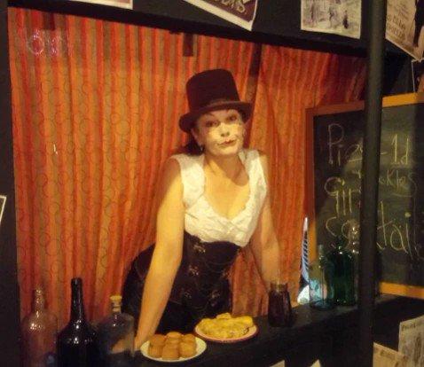 ONE WEEK 'TIL WE OPEN! #sherlockholmes #scandalinbohemia #tristanbatestheatre #actorscentre #Londontheatre #london #october #halloween #drwatson #ireneadler #mrshudson #gin #porkpies #punchandjudy #puppetry #puppets #boxing #victoriana #musichall #parlourgames #comedy @lizapplebe