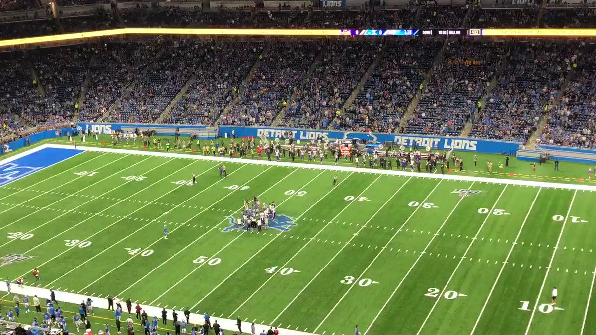 Detroit Lions fans at Ford Field loudly boo referees — twice — before Vikings game