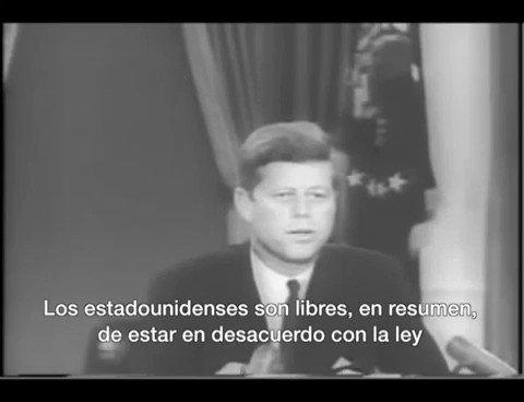 Replying to @josecdiez: Kennedy 1962 explicando los efectos de gobernantes que desafían las resoluciones de los tribunales