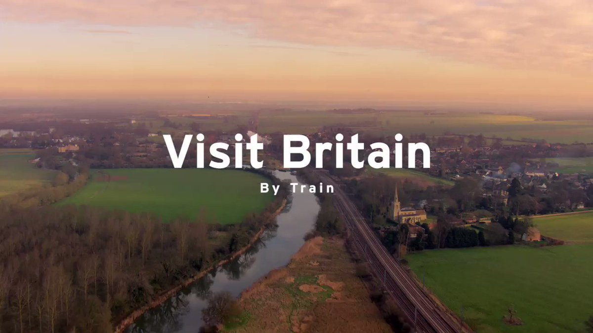 Have you ever visited the UK by train 🚆? Discover the beauty of the country on scenic railway 🛤️ journeys and travel easily between iconic cities and stunning countryside. #TravelTuesday