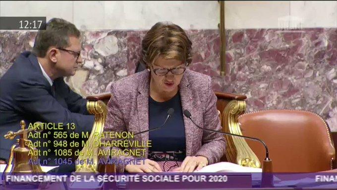 C'est moche pour la démocratie» : LREM a remis une nouvelle fois en cause un vote à l'Assemblée 24 o EQK1Aaci7w0WD_v-?format=jpg&name=small