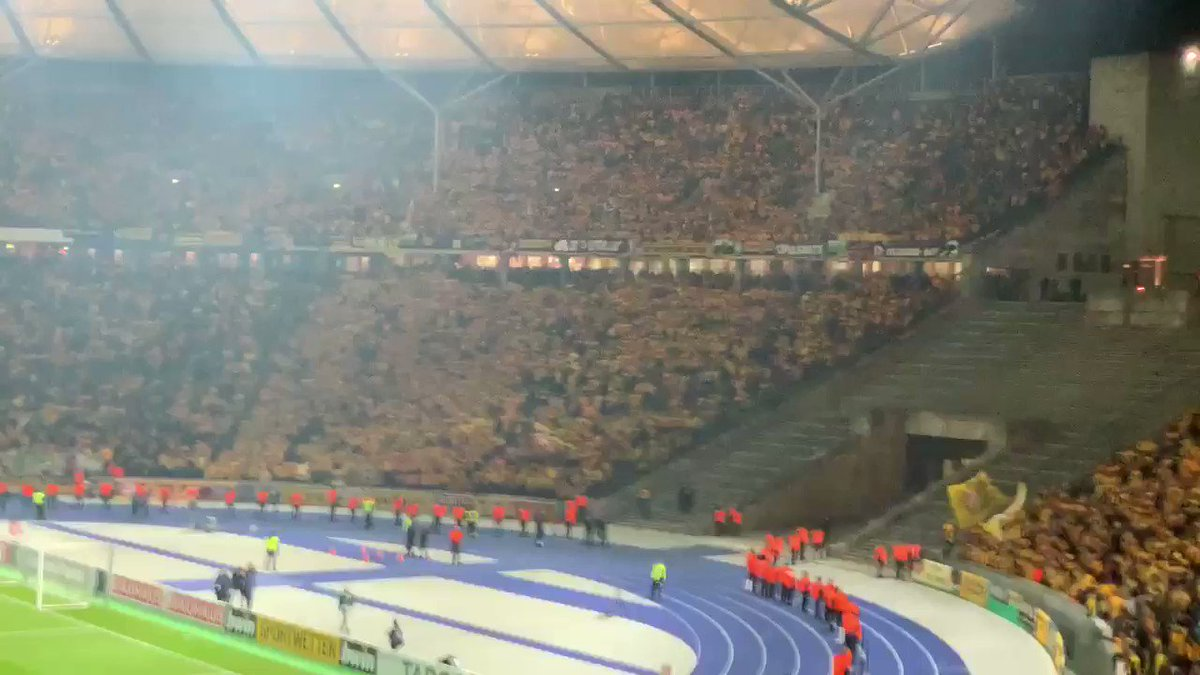 Dynamooooooo. 2:2... Verlängerung. Geiles Spiel, egal wie's am Ende ausgeht. #DFBPokal #BSCSGD #sgd1953