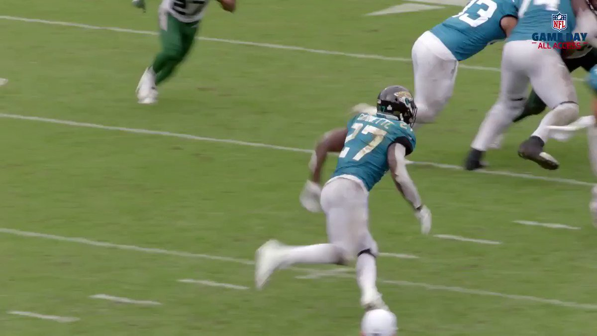 B R Gridiron On Twitter Leonard Fournette Really Laughs When He Gets Tackled Via Nflfilms Https T Co Xea8dhoyw1
