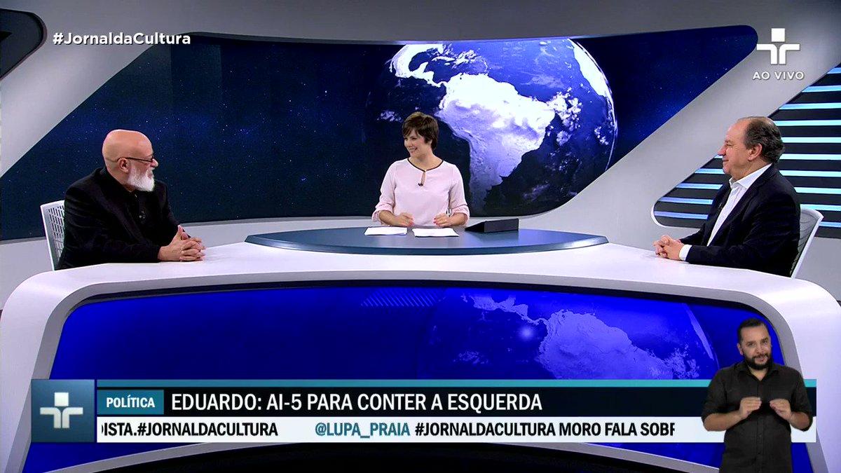 """""""A impressão que eu tenho é que eles [Bolsonaros] são, na verdade, a grande oposição a eles mesmos"""".Fala do filósofo @lf_ponde no #JornaldaCultura."""