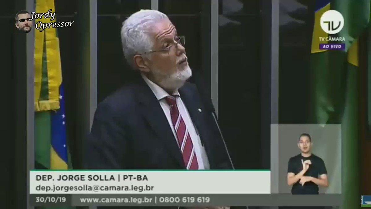 Deputado Jorge Solla, dublê de Jaques Wagner nas horas vagas, toma outra escovada do filhote de Bolsonaro. Mais uma e já pode pedir música no fantástico. 😎