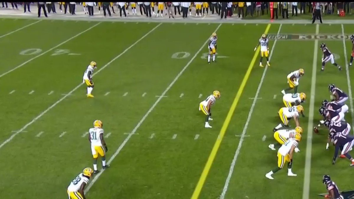 Check out #ChicagoBears highlight: Montgomery TOUGH 1st Down #GBvsCHI   Find out more at   #daBears #Bears100 #NFL #NFLHighlights #SportsTalkLine