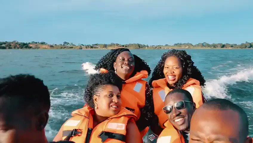 Watch: Members of the Public Relations Association of #Uganda take a thrillingtour of Lake Victoria byspeed boat during the 2019 #PRAUBootCamp held at Nyange Resort & Marina. #VisitUganda #ExperienceUganda #PearlofAfrica #Travel #PR #comms